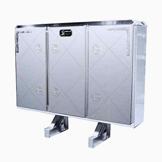 TRIPLE DOOR CABRACK-0